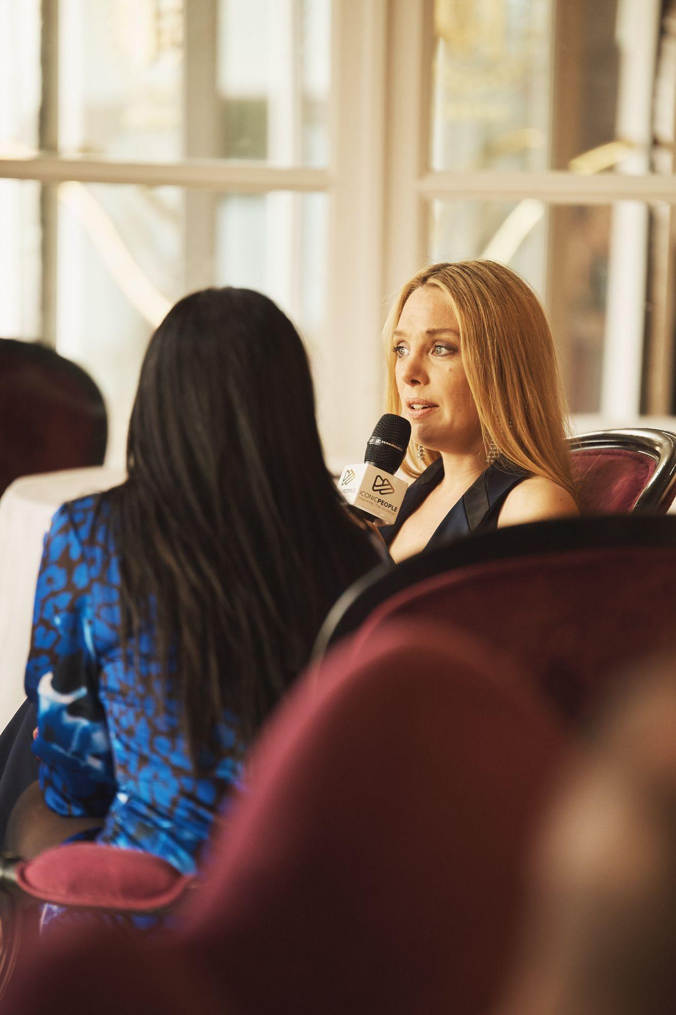Interview de Laëtitia Dosch, membre du Grand Jury Maquillage : Dr. Hauschka Coiffure : Franck Provost
